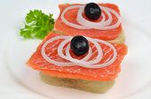 Salmon Sandwiches With Onions and Black Olives