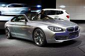 PARIS, França - setembro 30:BMW conceito 6 séries Coupe no salão do automóvel de Paris em 30 de setembro de 2010, em