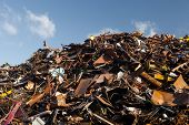 picture of scrap-iron  - scrap metal heap - JPG