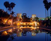 Casa De Balboa At Night