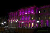 Casa Rosada (casa rosada) por noche