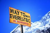 Wegweiser zum Mount Everest Base Camp, Nepal