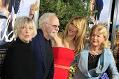 m LOS ANGELES - NOV 19:  Bruce Dern & Spouse, Laura Dern, Diane Ladd at the