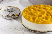 Постер, плакат: cheese cake with yogurt and peaches