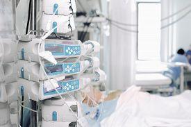 picture of icu  - Dispensing drugs in the ICU - JPG