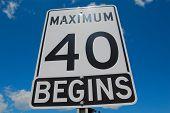 Maximal 40 beginnt