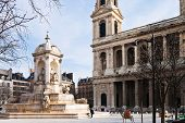 Fountaine Saint-sulpice, em Paris