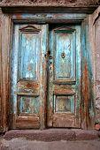 Постер, плакат: Старые двери