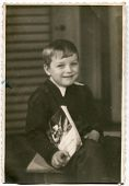 Vintage photo of little boy (early fifties)