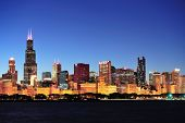 foto of willy  - Chicago city downtown urban skyline at dusk with skyscrapers over Lake Michigan with clear blue sky - JPG