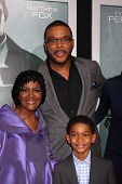 LOS ANGELES - OCT 15:  Cicely Tyson, Tyler Perry, Sayeed Shahidi arrives at the