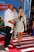 Hank Baskett, Kendra Wilkinson at the World Premiere Of Disney's Planes, El Capitan, Hollywood, CA 08-05-13