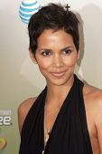 LOS ANGELES - MAY 30: Actress Halle Berry attends the 2009 Spike TV Guys Choice Awards at Sony Studi