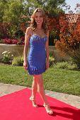 LOS ANGELES, 11 de julho: Sandra Vidal chega a Birgit C. Muller Fashion Show no rancho de Chaves J