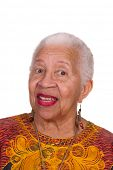 Closeup lächelnder älterer African American Woman, isolated on white