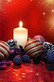 Постер, плакат: Рождественская композиция с свеча и цветных попурри
