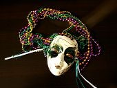 Mardi Gra Mask With Bead