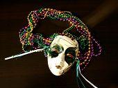 Mardi Gra Mask With Bead