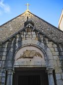 picture of church  - The reformatory church is a small ordinary - JPG