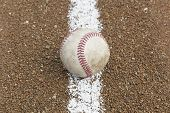 Um velho beisebol
