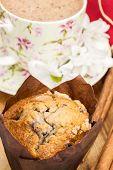 chokolate muffin and coffee latte