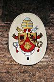 Wappen von seiner Heiligkeit Benedikt XVI.