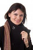 Mujer joven en Topcoat