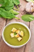Spinach Soup With Dried Crusts