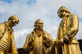 ������, ������: Gilded Bronze Statue Of Matthew Boulton James Watt And William Murdoch By William Bloye And Raymond