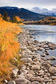 Gardiner-Fluss im Herbst, Montana