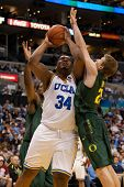LOS ANGELES - MARCH 10: UCLA Bruins C Joshua Smith #34 &  Oregon Ducks forward E.J. Singler #25 duri