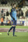VALENCIA - 3 de febrero: Gerard Piqué durante el partido de la Liga española entre el Valencia CF y el FC Barcelona