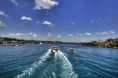 Постер, плакат: Лодка в Halic Стамбул Золотой Рог вблизи Ayasophia