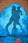 Street art Montreal tango