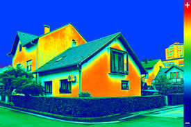 foto of thermos  - Infrared thermo vision image showing lack of thermal insulation on House - JPG