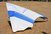 picture of glider  - hang glider on the dunes at Jockeys Ridge - JPG