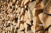 Großen Haufen von Brennholz