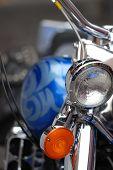 Постер, плакат: Мотоцикл фар и бензобак