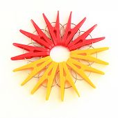Five red and five yellow pegs situated around
