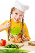 Little chef mezcla la ensalada