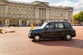 London Taxi Outside Buckingham Palace