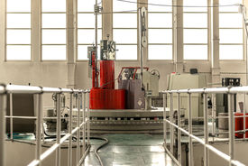 pic of reactor  - Nuclear reactor in a science institute indoors - JPG
