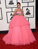 LOS ANGELES - FEB 08:  Rihanna arrives to the Grammy Awards 2015  on February 8, 2015 in Los Angeles, CA