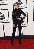 LOS ANGELES - FEB 08:  Giuliana Rancic arrives to the Grammy Awards 2015  on February 8, 2015 in Los Angeles, CA