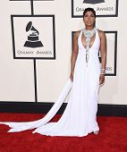 LOS ANGELES - FEB 08:  Toni Braxton arrives to the Grammy Awards 2015  on February 8, 2015 in Los Angeles, CA