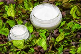 picture of cosmetic products  - Organic skin care products - JPG