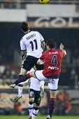 VALENCIA, España - 13 de diciembre - Aduriz, Fla? o en el partido de Liga española de fútbol entre el Valencia un