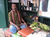 Making Paan In Kolkata