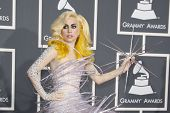 LOS ANGELES - 31 de enero: Lady Gaga en los 52 premios Grammy en el Staples Center en Los Ángeles, Californ