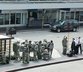 American soldiers returning home from duty in San Francisco Airport